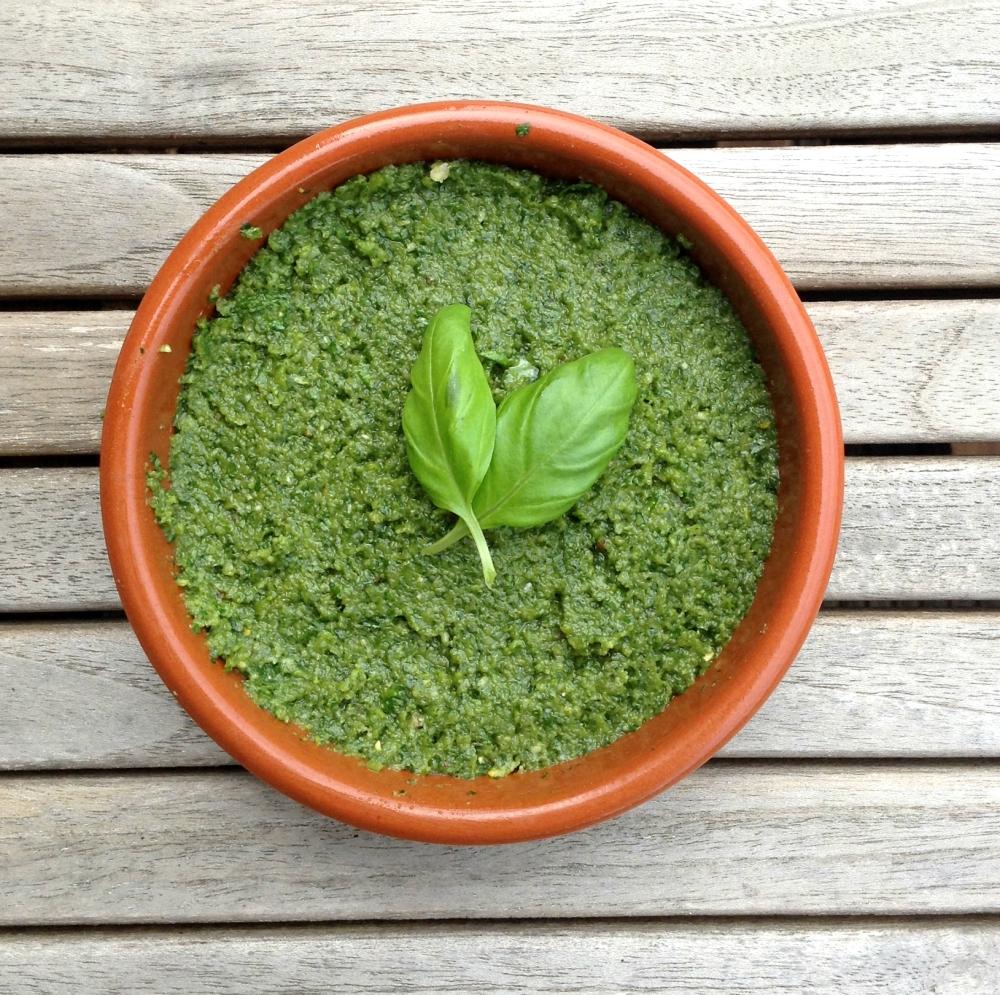 Homemade Green Pesto (1/4)