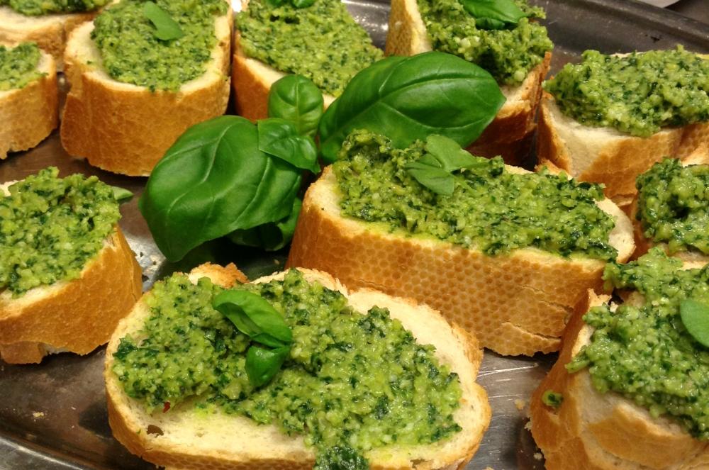 Homemade Green Pesto (4/4)