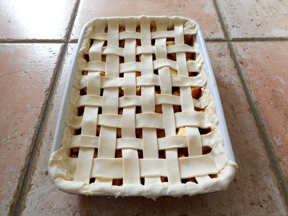 Traditional Apple Pie (4/6)