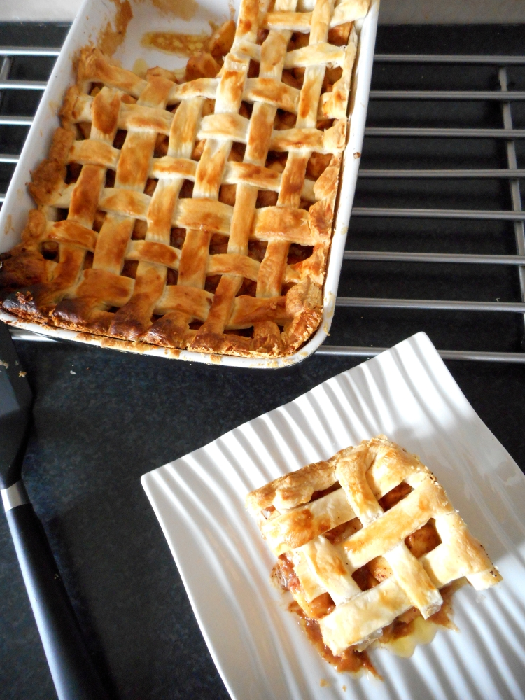 Traditional Apple Pie (1/6)