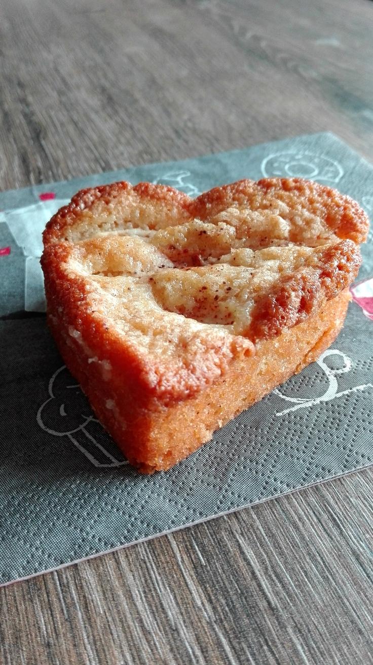Apple Cinnamon Honey Cake