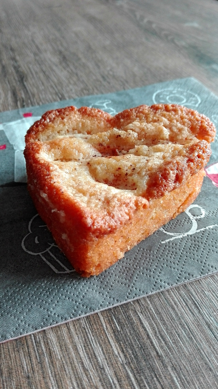 Apple Cinnamon Honey Cake