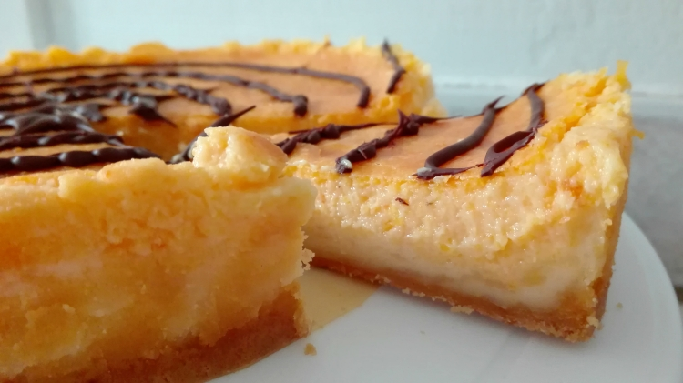 spiderweb-pumpkin-cheesecake-recipe-for-halloween