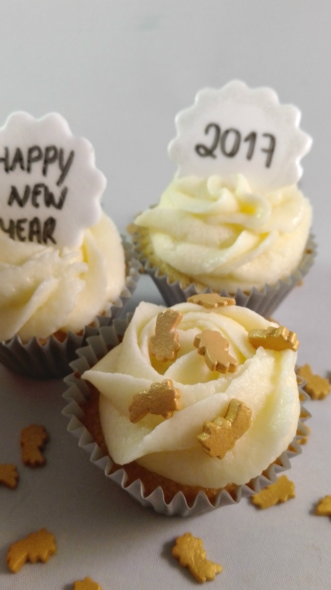 champagne-cupcakes-for-new-year