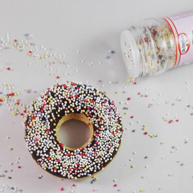 donuts-with-droetker-sprinkles