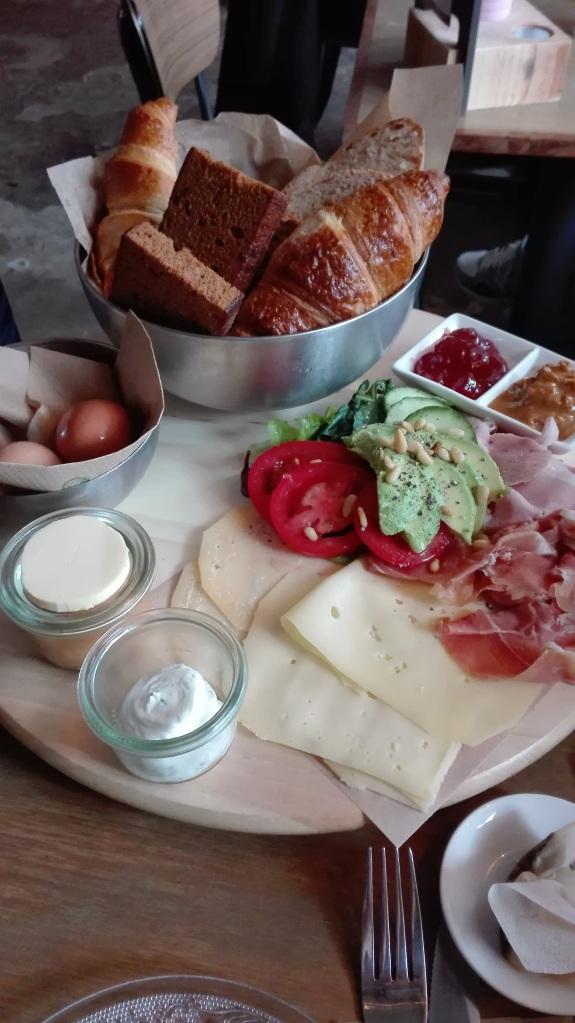 breakfast-at-rotterdam-bakermoore