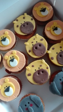 lion-and-giraffe-cupcakes