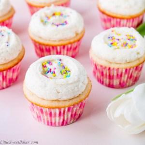 vanilla-cupcakes-1-1