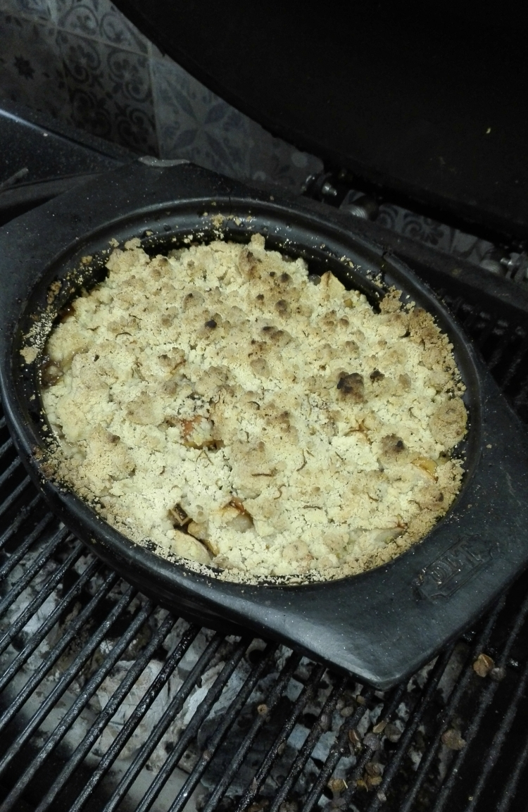 Apple Crumble on the BBQ.jpg