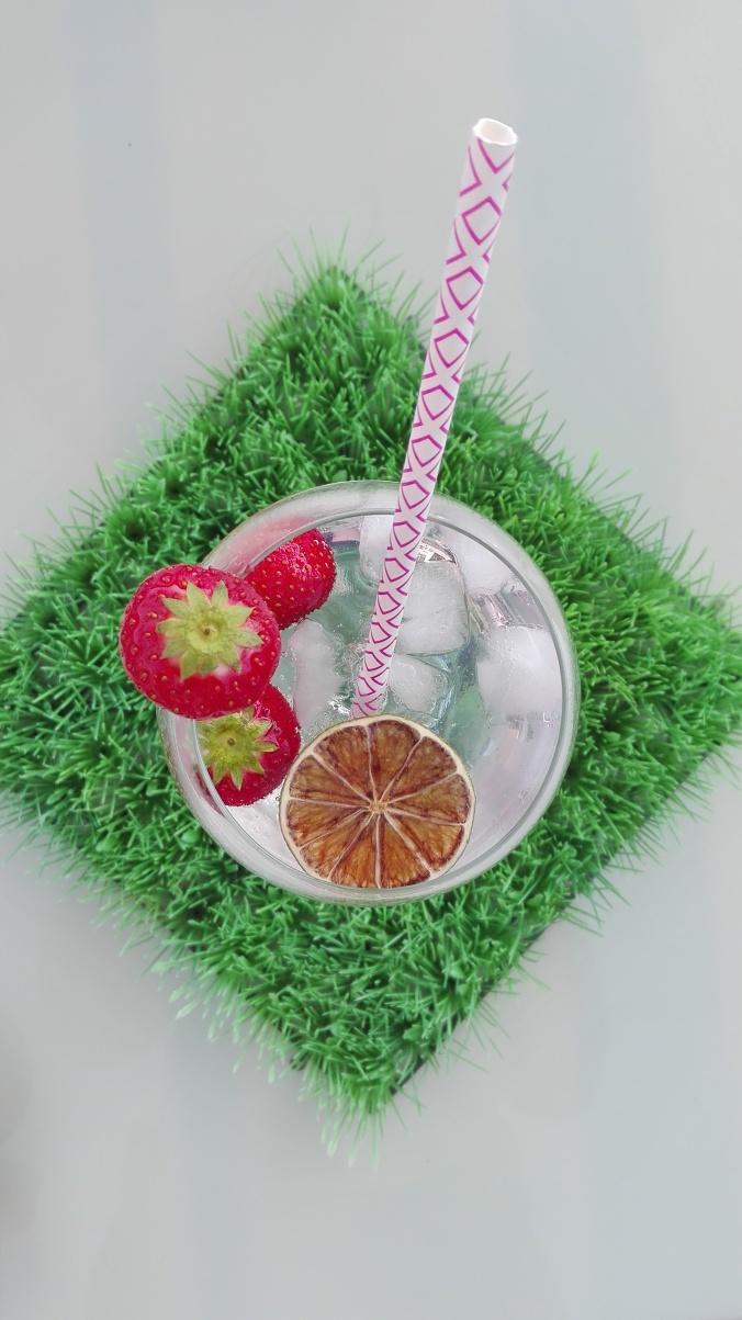 Refreshing Strawberry Gin Tonic
