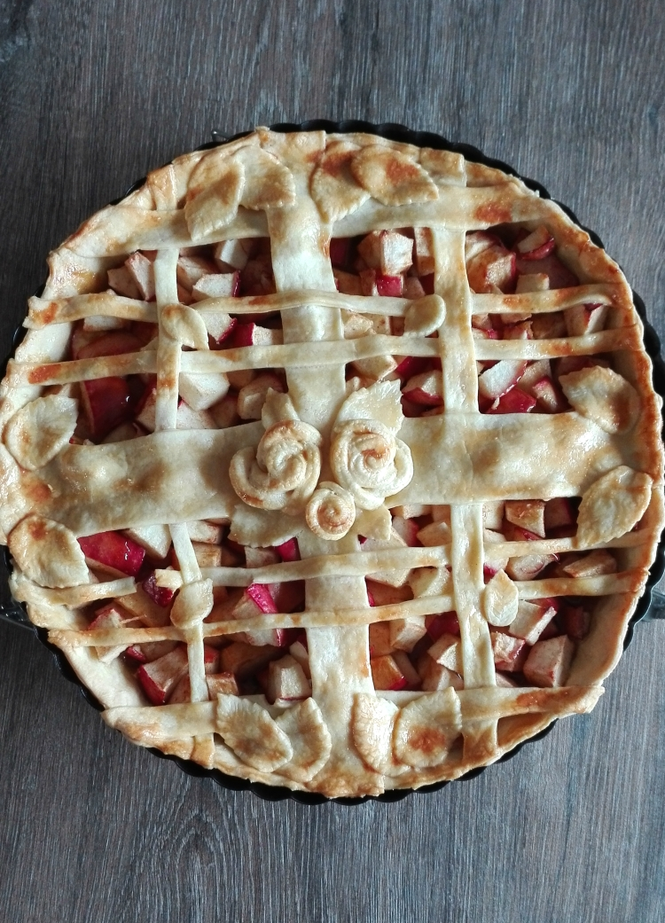 Salted Caramel Apple Pie for Fall